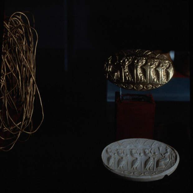 Золотой перстень XV в. до н.э.