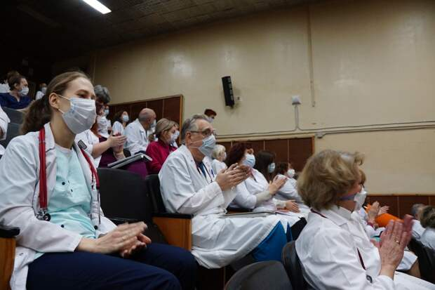 9658 медиков участвовали вборьбе скоронавирусом