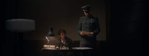 Ларс Айдингер учит несуществующий язык в трейлере фильма «Уроки фарси»