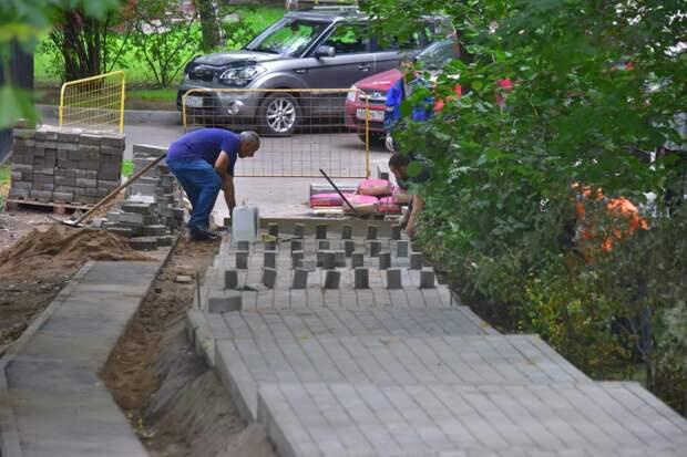 Сквер на улице Берзарина обновят до конца августа