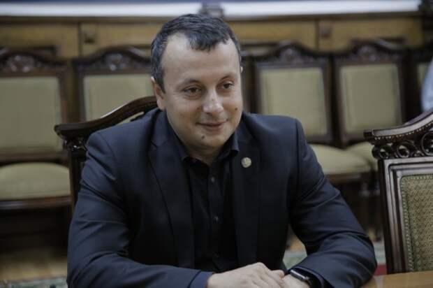 Кадастровая ОПГ чиновника-интеллектуала