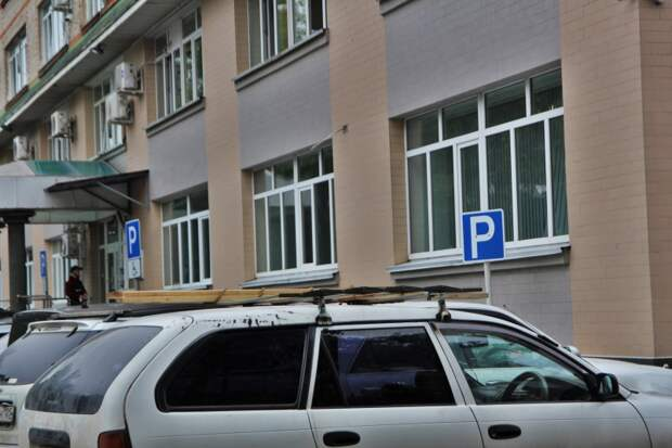 Строительство 15 бесплатных парковок анонсировали в администрации УГО