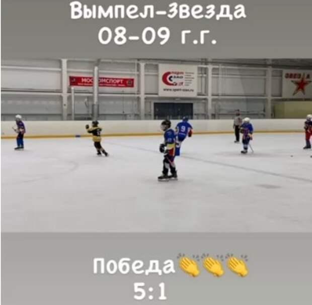 Хоккейный клуб «Вымпел» разгромил сразу две «Звезды»