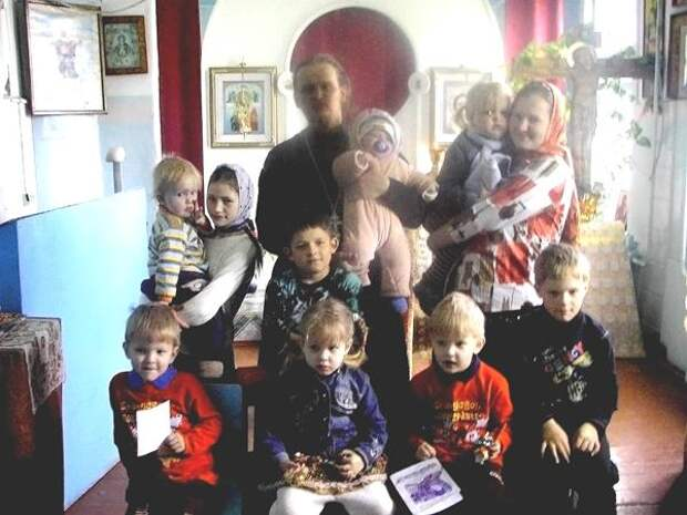 Священник Андрей Орехов из Приморского края и его многочисленное семейство