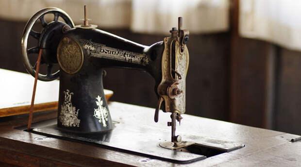 Почему за швейными машинками охотятся антиквары. Все просто – они стоят тысячи долларов!