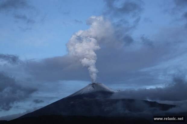 Извержение вулкана Попокатепетль-2013 (15 фото)