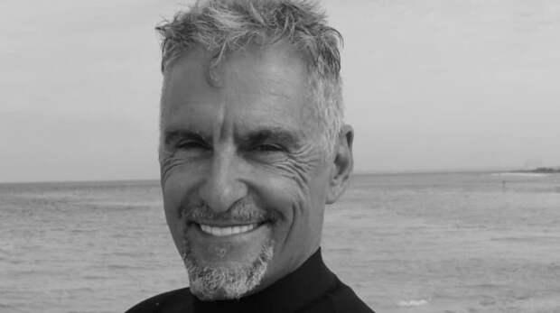 Актер Клифф Саймон погиб на пляже в 58 лет