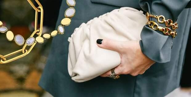 Модная тенденция на осень-2020: носим браслеты поверх одежды