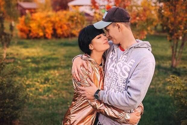 Нелли Ермолаева: «Мы с мужем не хотели причинить друг другу боль, но причиняли ее снова и снова»