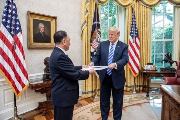 Трамп получил от Ким Чен Ына особое письмо (ФОТО)