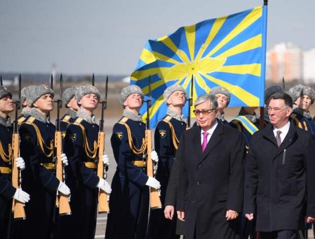 С приветом из Нур-Султана. Чего ждать от визита нового президента Казахстана в Москву?