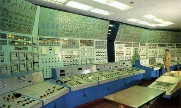 Строгость и красота комнат управления советской эпохи