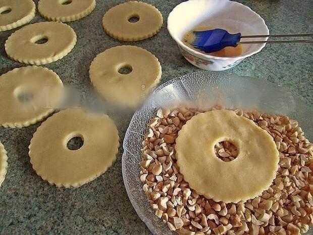 Песочные кольца с орехами родом из детства!