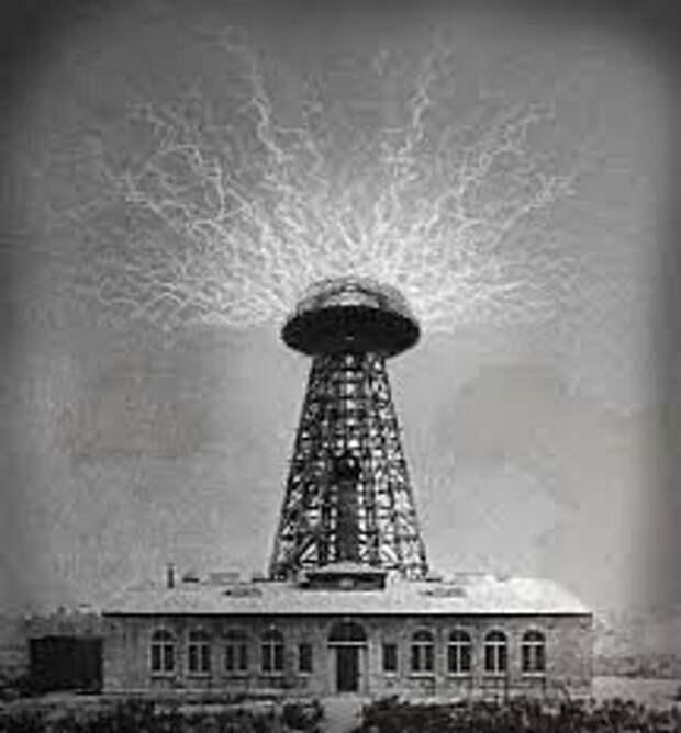 """Установка Теслы, якобы способная передавать электричество по воздуху. Изображение взято с сайта """"pikabu.ru"""""""