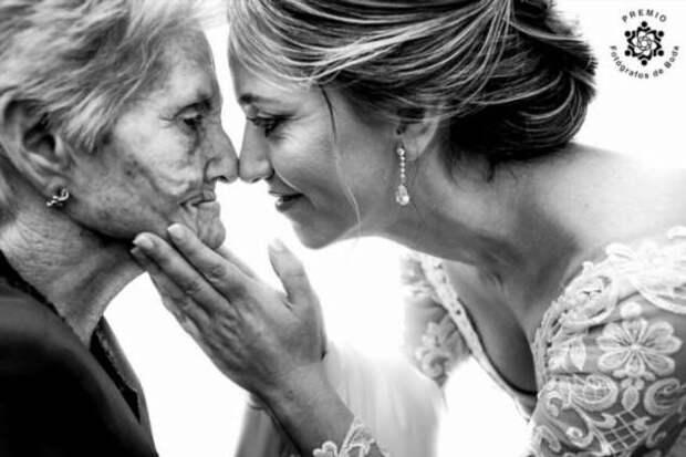 Трогательные свадебные моменты