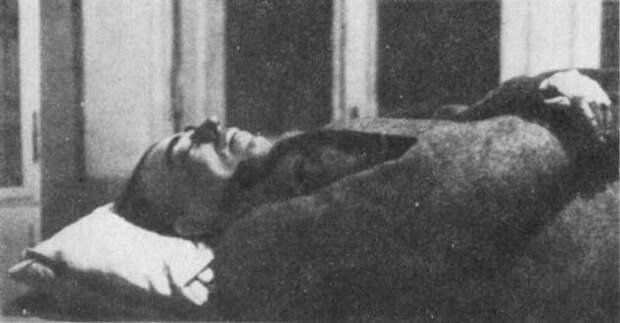 27 сентября 1925 г., 95 лет назад, в Москве арестован британский разведчик Сидней Джордж Рейли (2 фото)
