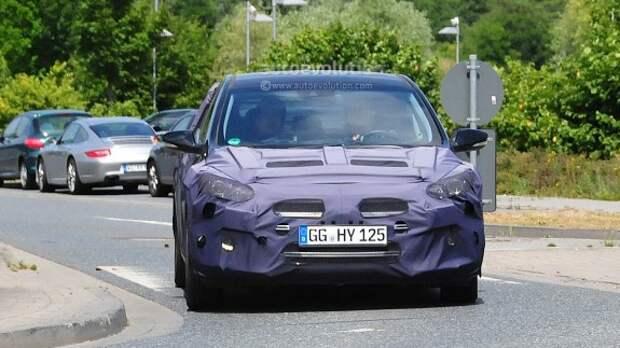 Hyundai тестирует обновленный i30