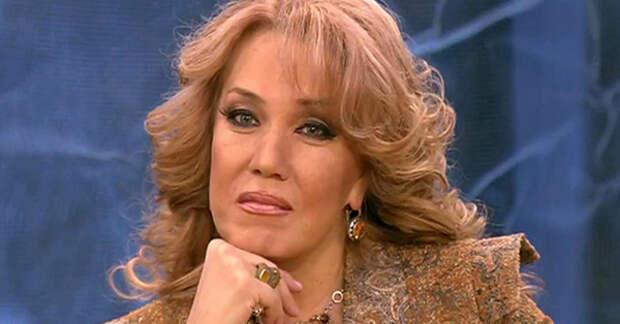 """Азиза заявила, что выбыла из телешоу """"Маска"""" из-за разборок Киркорова и Аниты Цой"""
