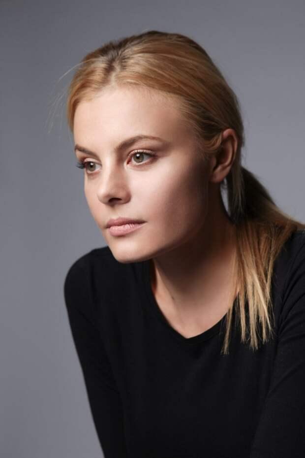 Звезда криминальных сериалов Наталья Дворецкая во всей своей красе
