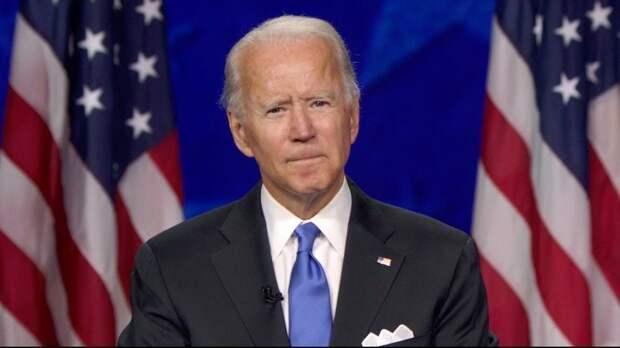 Сенатор-республиканец заявил, что Байден на посту президента втянет США в войну