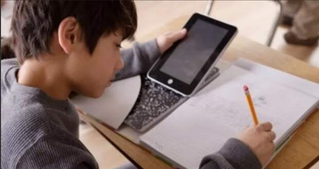 Валентина Матвиенко поддерживает идею запретить телефоны в школах