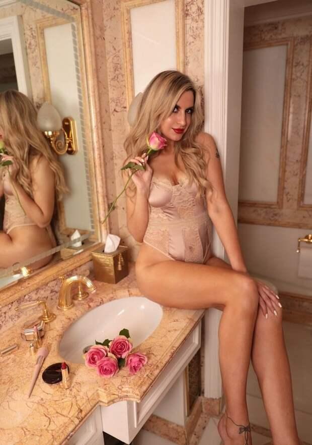 Рабочий день звезды Инстаграма: очаровательная блондинка раскрывает секреты заработка в соцсетях