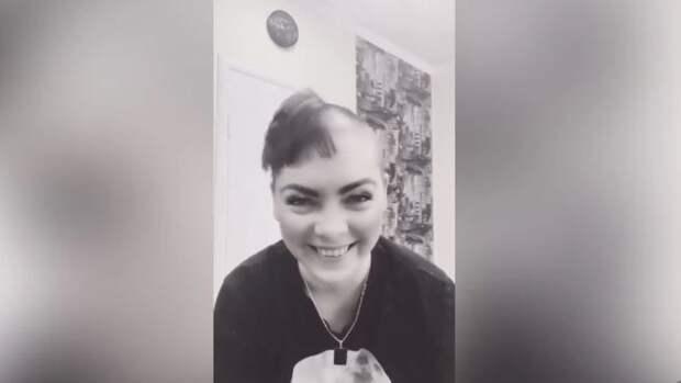 Участница «Фабрики звезд» Аксинья Вержак сбрила волосы на глазах у подписчиков