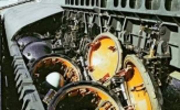 На противокорабельной крылатой ракете «Гранит» впервые в мире реализован подводный старт сверхзвуковой крылатой ракеты с воздушно-реактивным двигателем, решена задача построения залпа ракет в едином информационном пространстве, целераспределения и избирательного поражения групповой цели в автономном режиме стрельбы по принципу «выстрелил – забыл»