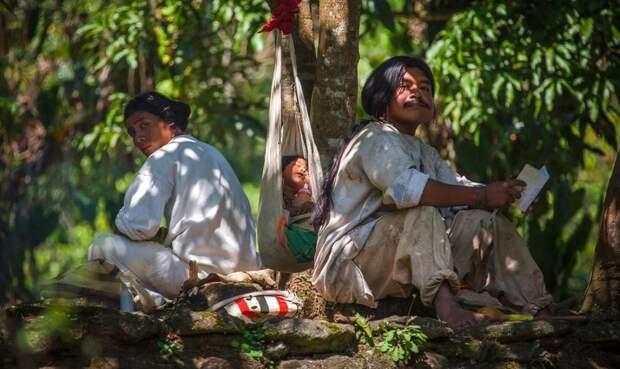 Странный обычай племени кагаба: почему мужчины убегают от своих жен