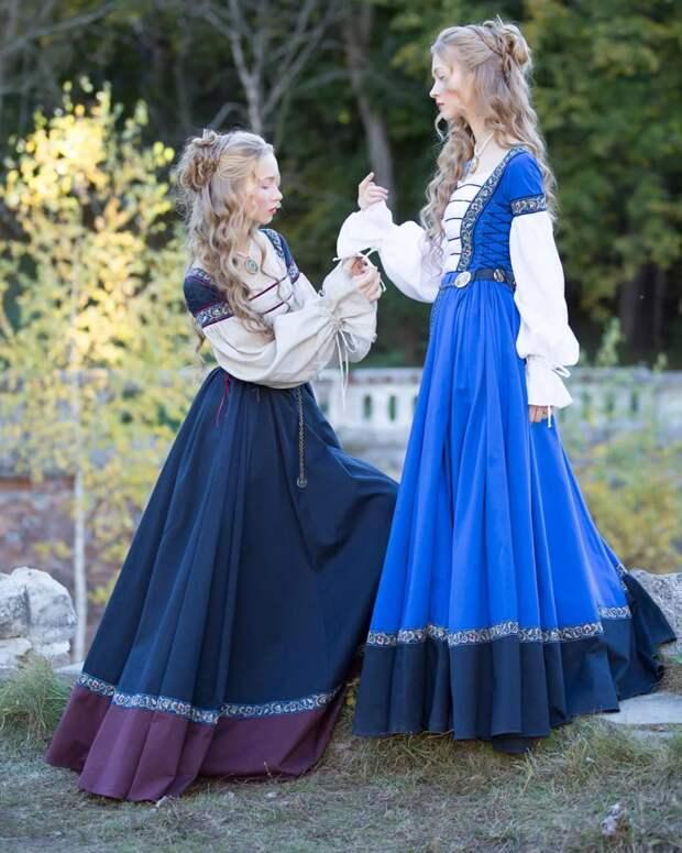 В Средние века люди любили яркие ткани