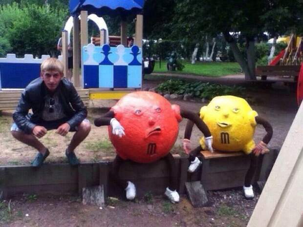Иностранцы обсуждают страшные детские площадки России
