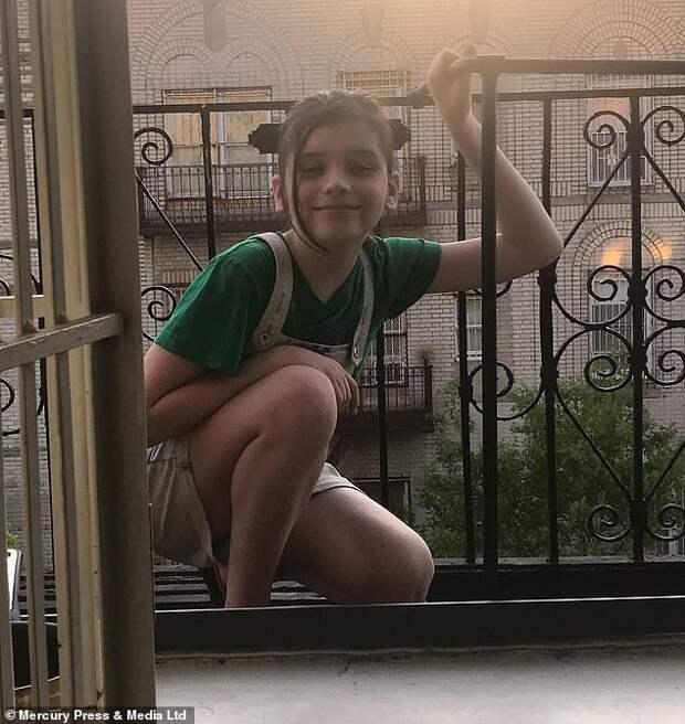 Невсвоей тарелке: 12-летний американец хочет скорее стать девочкой, имать его поддерживает