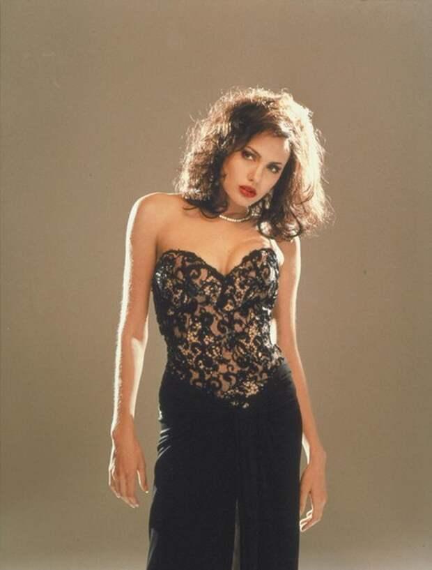Анджелина Джоли. Промо-фотографии к фильму «Джиа». 1998 год.