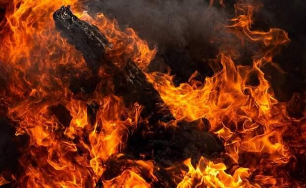 МЧС Беларуси спасли на пожаре под Смолевичами 8 человек