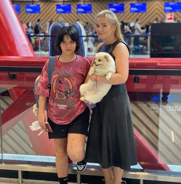 Ноги изрезаны! Поклонники Даны Борисовой обсуждают внешность ее дочери