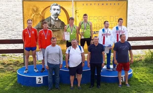 Победители и призеры эстафеты среди мужчин. Фото: СШОР «Северный»