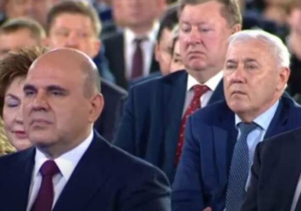 """Борьба с пандемией не должна приводить к """"пустым полкам"""" - президент РФ"""