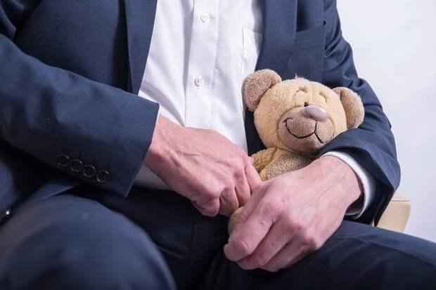 """Необходимы ли """"кабинеты доверия"""" для педофилов ?"""