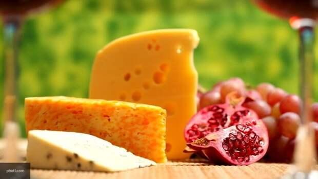 Российский сыровар назвал признаки качественного сыра