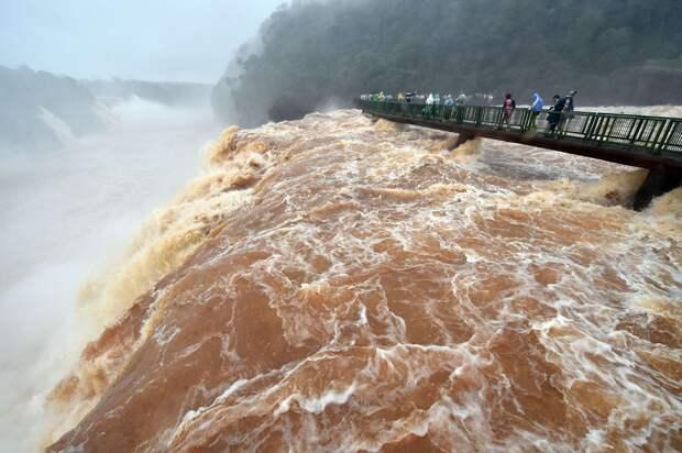Iguazu 11 Захватывающие дух водопады Игуасу
