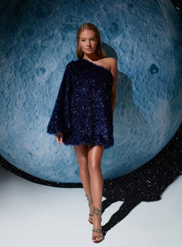Елизавета Пескова и Тата Бондарчук представили коллекцию вечерних платьев