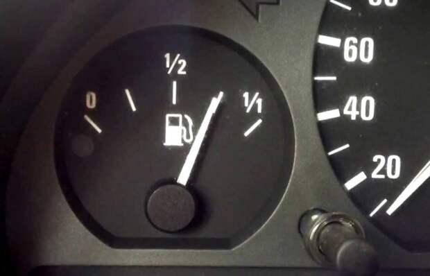 5 ошибок, которые совершают водители в попытке сократить расход горючего.