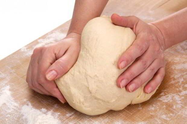 Дрожжевое тесто для лентяев: 15 минут — и готово!
