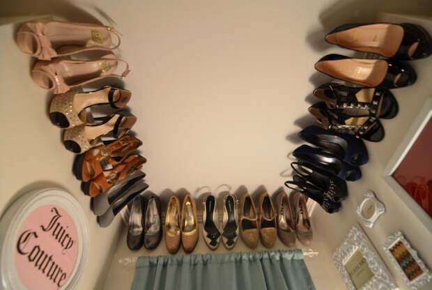 Хранение обув на молдингах.