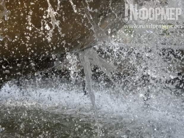 В Севастополе фонтан, как человек, может со временем  и умереть...