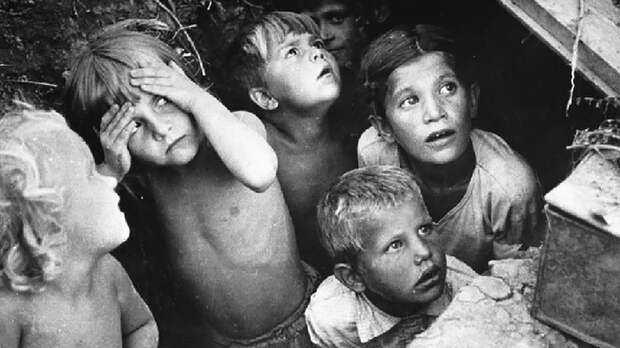 15 минут – и 214 детей мертвы: Россия требует от Канады выдать палача