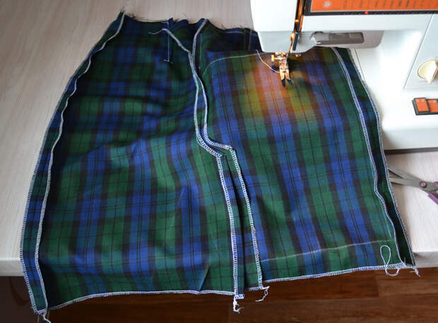 Разутюжка боковых швов юбки