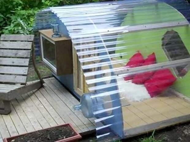 Крошечный дачный домик палатка из подручных материалов