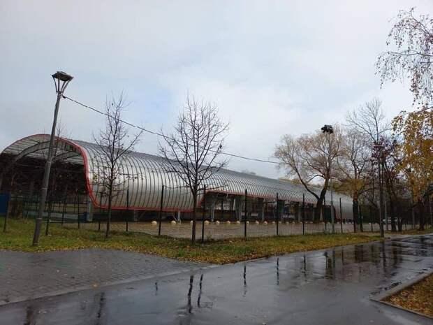 Каток на Вологодском проезде подготовили к зимнему периоду