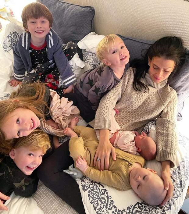 У Алека и Хиларии Болдуин появился шестой ребёнок